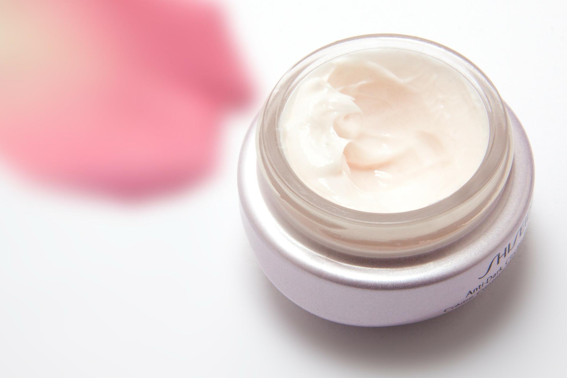 cream-194116_1920